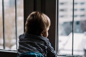 Bebe Entre 0 et 2 ans, voici le temps passé pour un bébé devant un écran