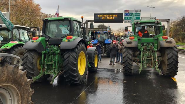 Animaux 5 heures à bord d'un tracteur: nous étions avec les agriculteurs qui ont manifesté à Paris