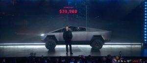 Bebe Tesla Cybertruck : Elon Musk explique pourquoi ses vitres se sont brisées
