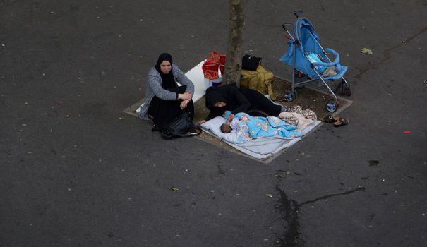 Bagage Les jeunes mères sans-abri sont de plus en plus nombreuses dans la rue