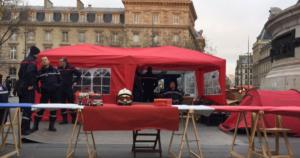 Camping Des pompiers campent en plein Paris pour dénoncer leurs stipulations de travail