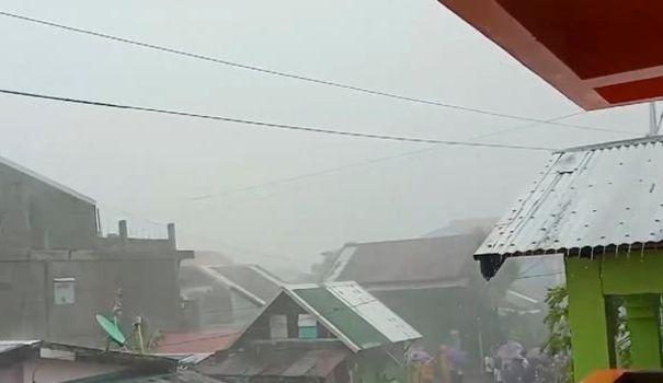 Jeux video Philippines : des milliers de personnes fuient le typhon, l'aéroport de Manille fermé