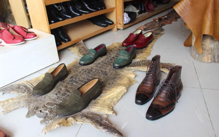 Cordonnier Engelo Boté, le nouveau nom du soulier de luxe en Côte d'Ivoire