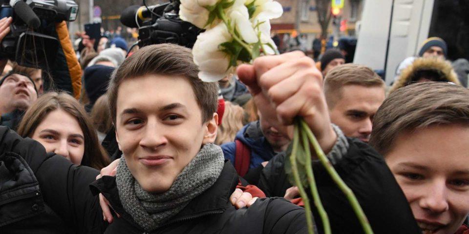 Ecole Egor Joukov, blogueur russe condamné pour l'exemple, libéré par la rue
