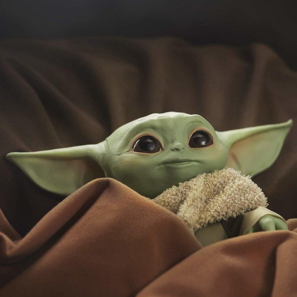 Jouet Small one Yoda : Hasbro va vendre une peluche grandeur nature de « L'Enfant »