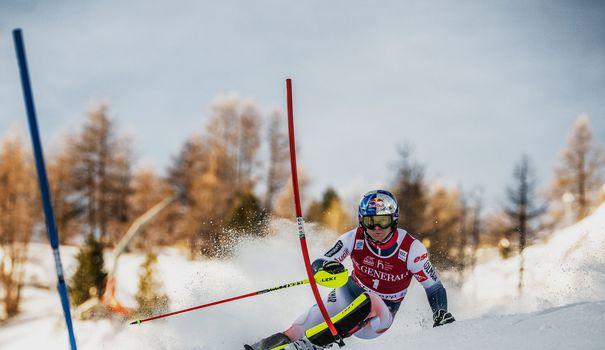 Ski Ski alpin: Pinturault domine la première manche du slalom de Val d'Isère, Noël sorti