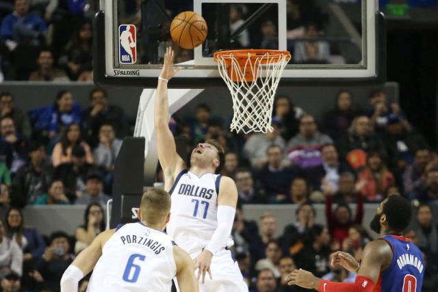 Basket Basket – NBA – NBA : Luka Doncic voit triple à Mexico