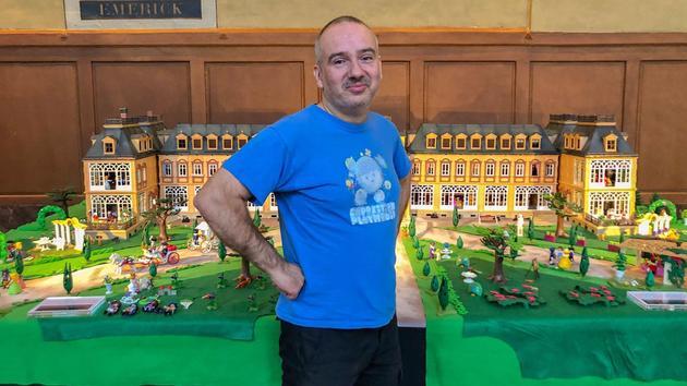 Jouets Pour les fêtes, le musée des Invalides s'amuse à jouer aux Playmobil