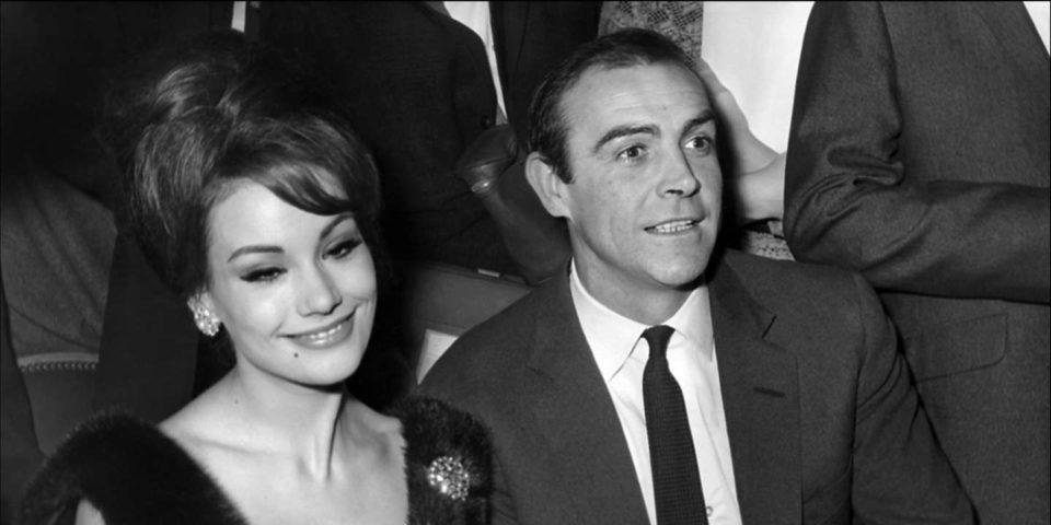 Maillot de bain Mort de l'actrice Claudine Auger, la première James Bond girl française