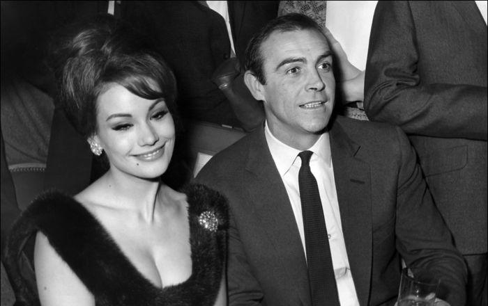 Maillot de bain La première James Bond lady française, Claudine Auger, est décédée à Paris