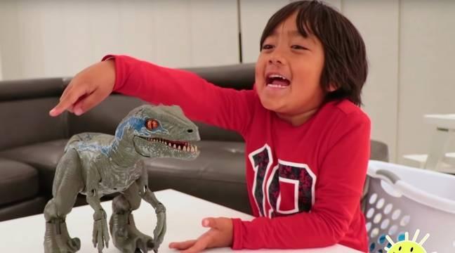 Jouets Youtube : Ryan, 8 ans, en tête du classement des youtubeurs avec 26 hundreds and hundreds de greenbacks en un an