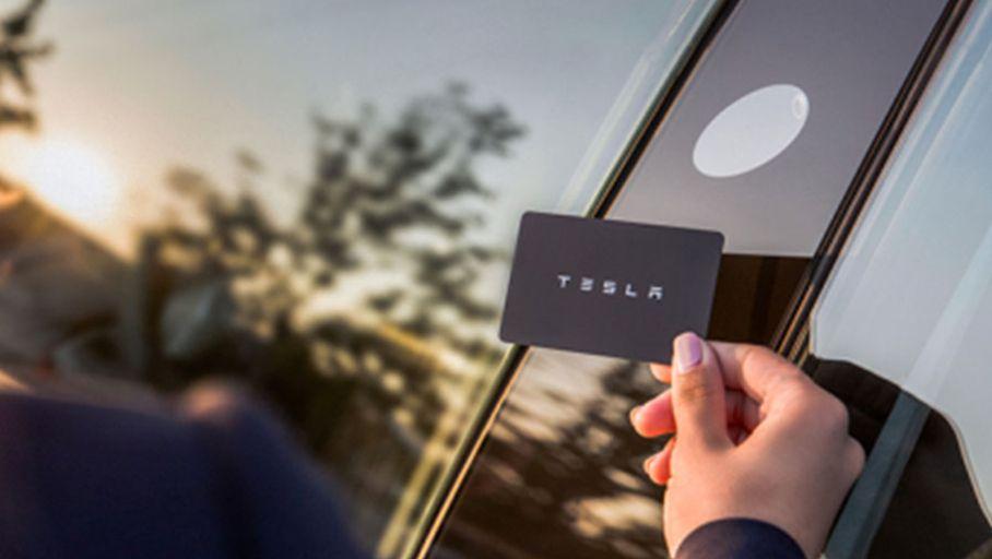 Bureau Actualité : Tesla Model 3 : une puce RFID implantée dans la major en guise de clé