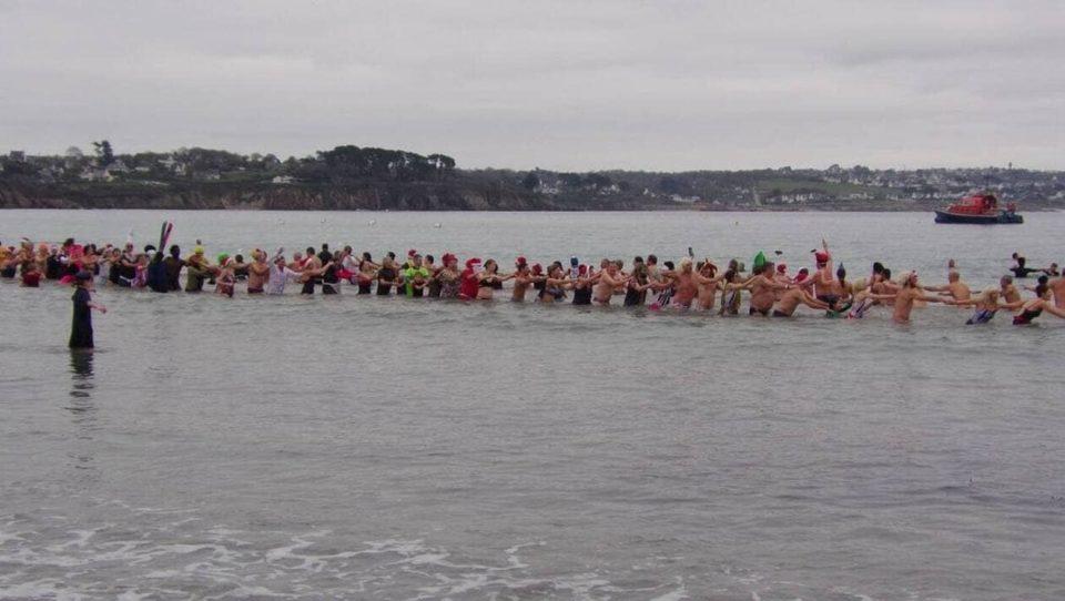Maillot de bain CARTE. Où admirer le courage des baigneurs d'hiver dans le Finistère ?