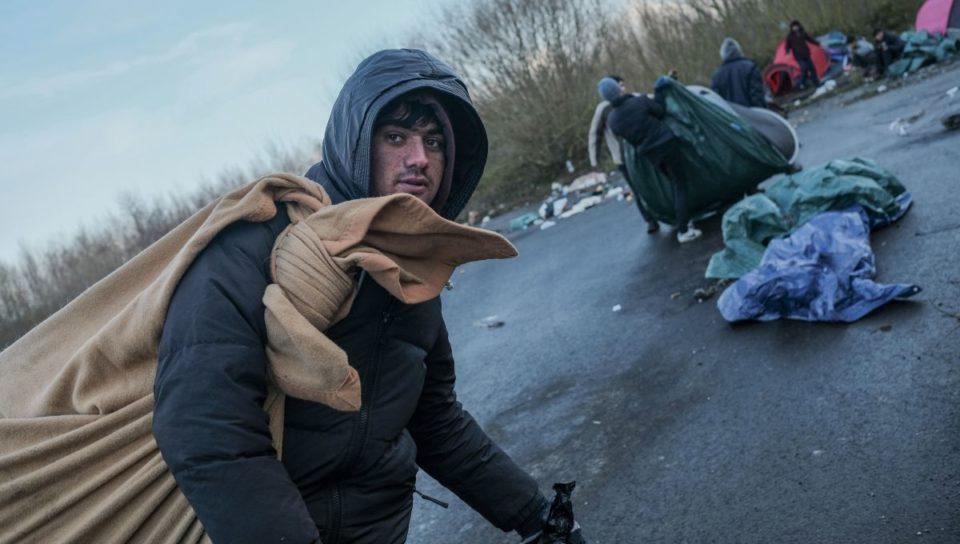 Bagage Le jour sans fin des migrants de Calais