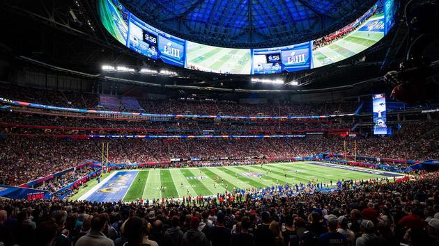 Football Donald Trump et Michael Bloomberg se battent au Tidy Bowl