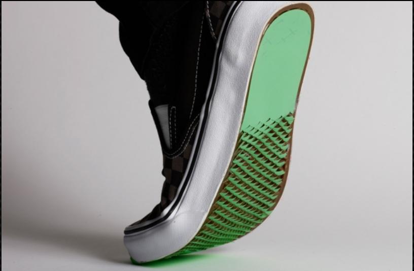 Chaussures Dites adieu aux chutes sur le verglas avec ses semelles inspirées du Kirigami