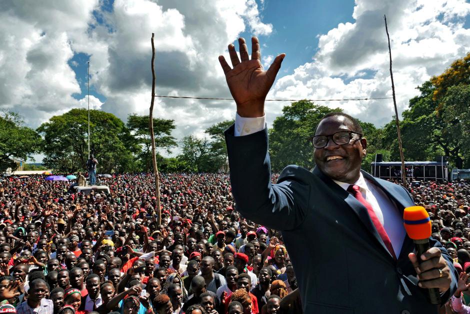 Chaussures La présidentielle au Malawi, une leçon de démocratie