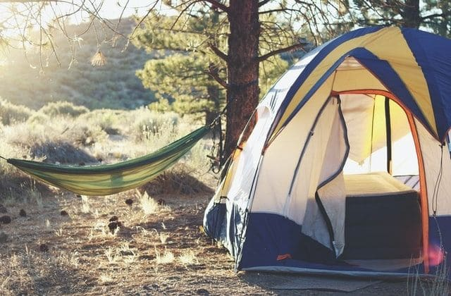 Maillot de bain Les campings, la meilleure breeze location vacances quand on est fauchée