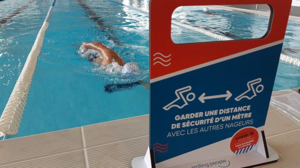 """Maillot de bain """"C'est un poids plus dur à supporter"""" : trop contraignantes, les règles sanitaires contre le coronavirus empêchent certaines piscines de rouvrir"""