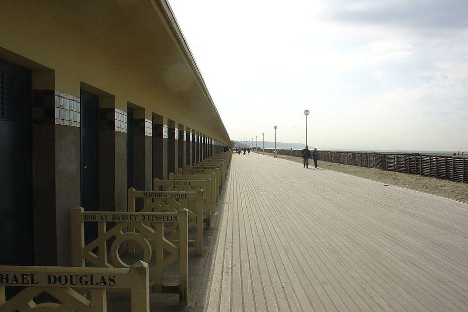 Maillot de bain Deauville : se promener sur les planches à côté des stars de cinéma