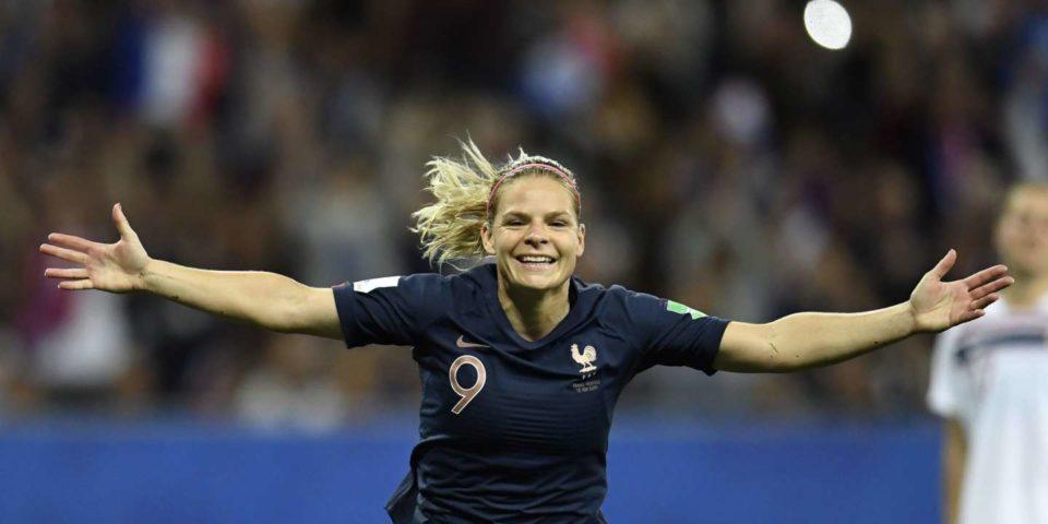 Football Eugénie Le Sommer, itinéraire d'une tombeuse de records