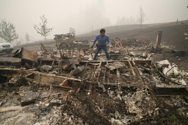 Bijoux Incendies dans l'Oregon: à Estacada, la désolation et la peur des pillages