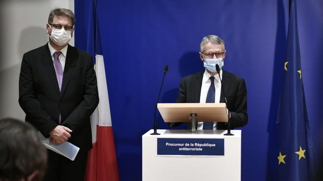 Chaussures Le terroriste au hachoir voulait incendier Charlie Hebdo